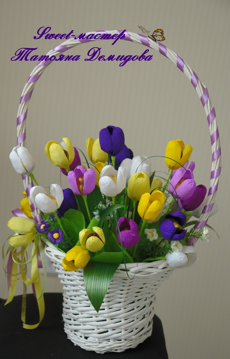 Тюльпаны из бумаги в корзинке своими руками 99
